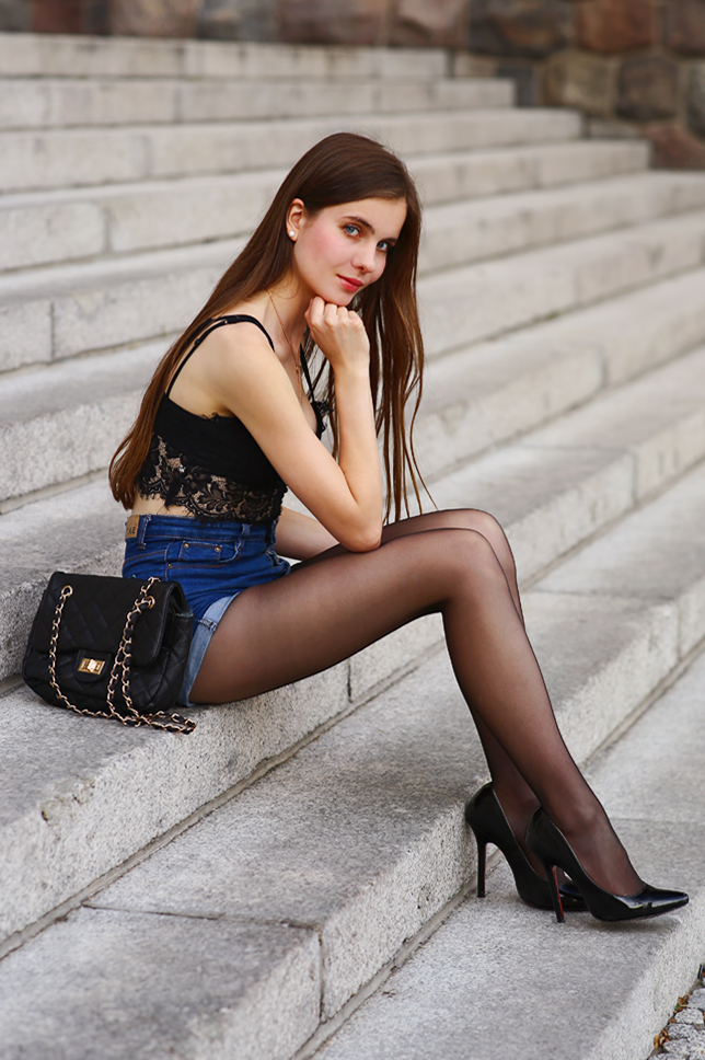 Black Pantyhose With Open Toe Shoes