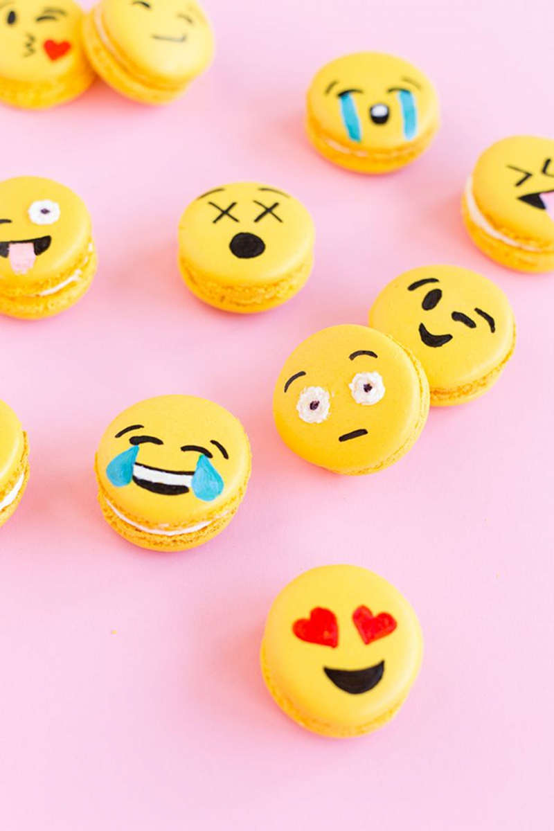 Emoji Party Food - via BirdsParty.com