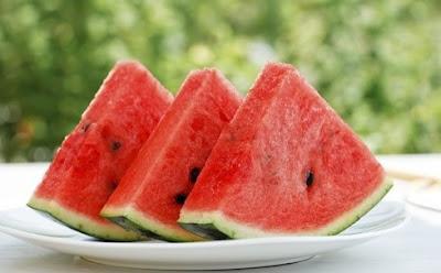 manfaat buah semangka untuk kesehatan tubuh