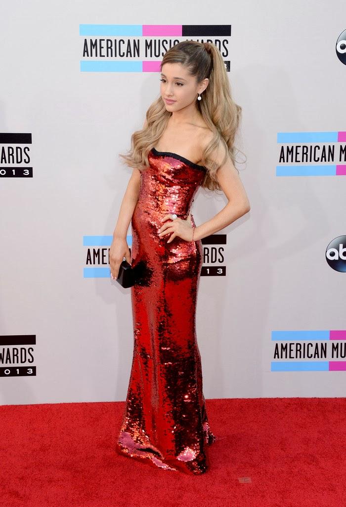 Amber Spotlights Red Carpet Amas 2013