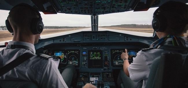 Review Sekolah Pilot AAA