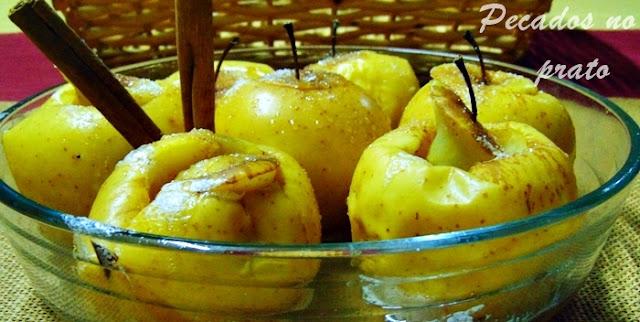 Como assar maçãs no microondas