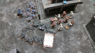 raptors fail their charge on the genestealers and HQ