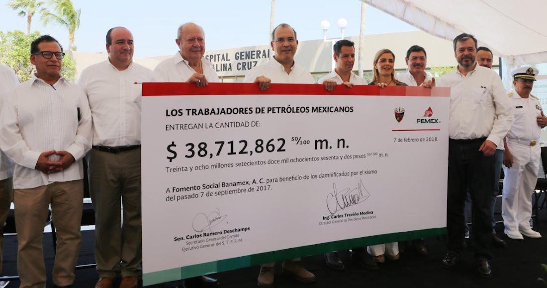 """Deschamps """"dona"""" por el sismo 38 millones, 19% de lo que le saca a Pemex al año sin rendir cuentas"""