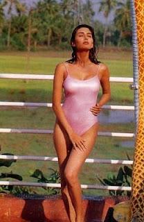Deepti Bhatnagar Hot Legs In Pink Bikini