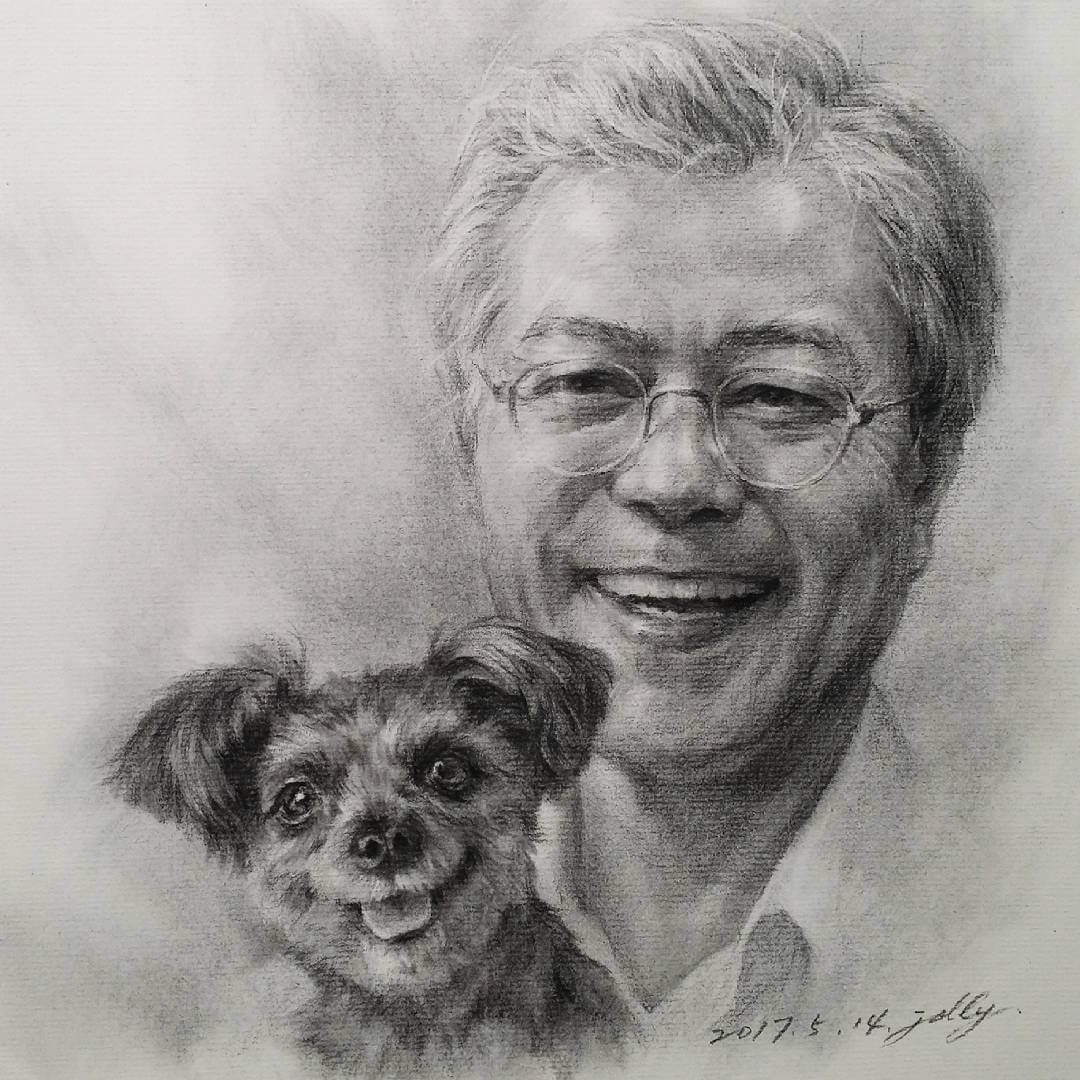 08-Jori-Charcoal-Portraits-of-Young-and-Old-plus-a-Clown-www-designstack-co