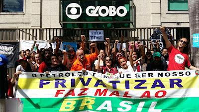 Resultado de imagem para petroleiros na porta da Globo no jardim botanico?
