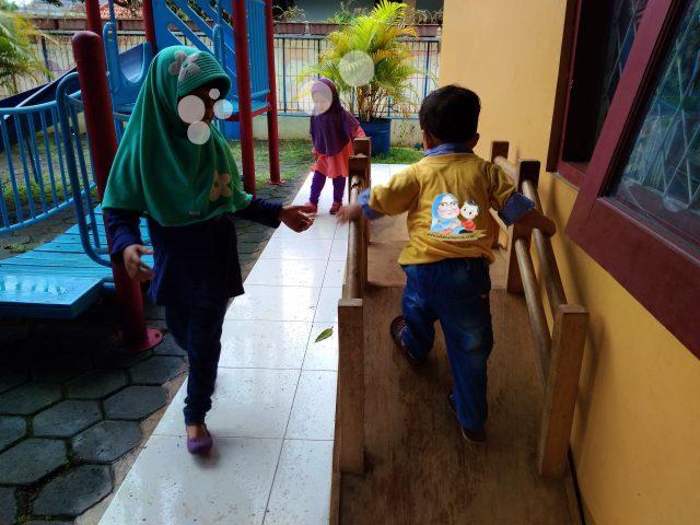 sekolah montessori islam