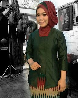 Model Kebaya Kartini Berjilbab