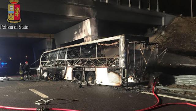 #ΙΤΑΛΙΑ <p> 16 νεκροί - τα περισσότερα παιδιά - σε ατύχημα με λεωφορείο