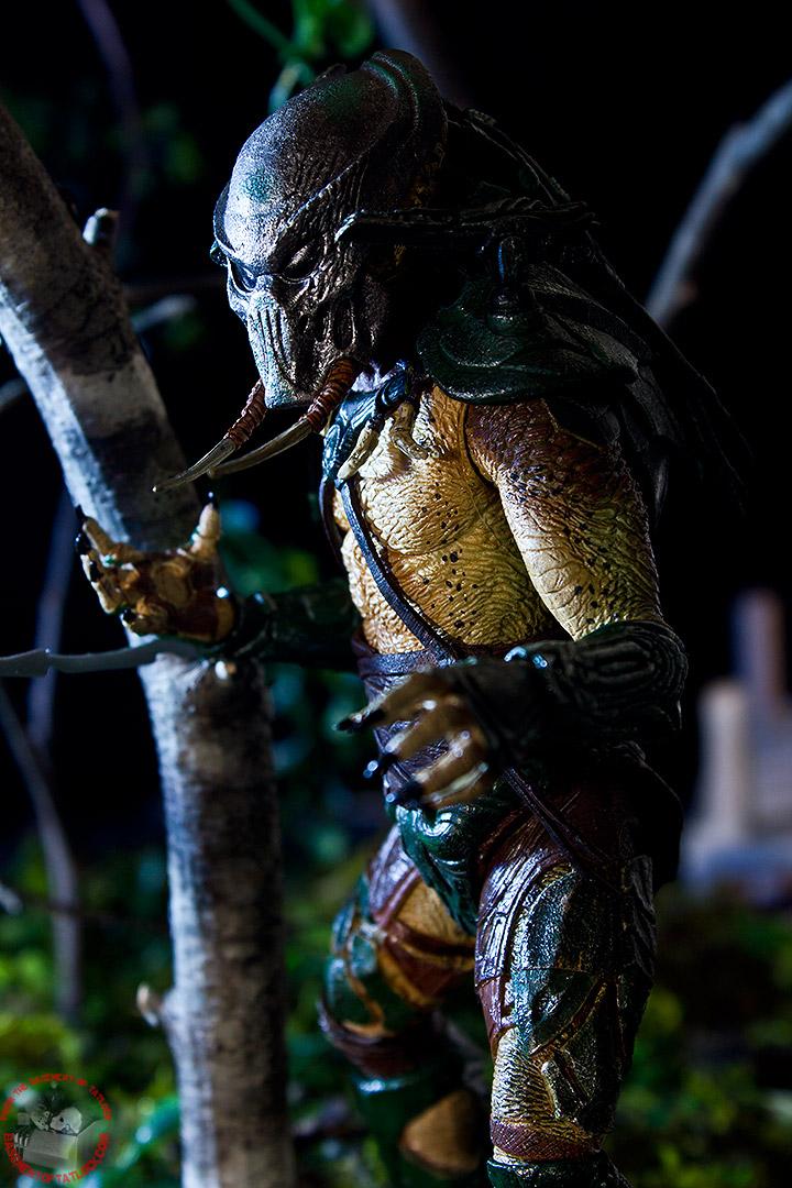 Predators Series 2 Tracker Predator Action Figures And