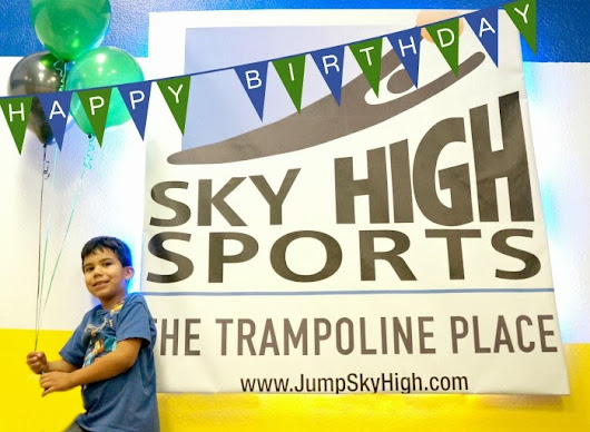 DIY Minecraft Birthday Party at Sky High Sports - The Trampoline Place | Living Mi Vida Loca Los Angeles Latina Lifestyle Blogger