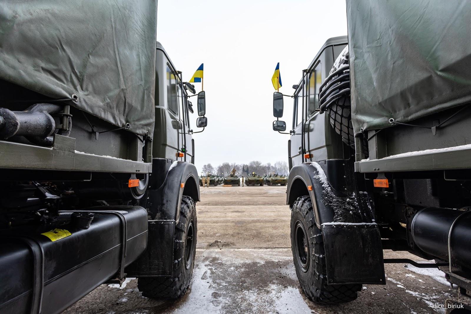ЗСУ отримали понад 200 одиниць техніки та озброєння