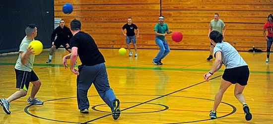 Coisas proibidas nos EUA - Dodge Ball - Queimada - Jogo do Mata