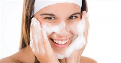 Cách chăm sóc da bị mụn cám đầu đen