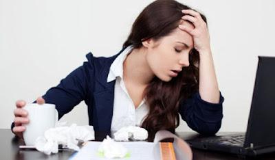 4 Pemikiran Negatif Yang Membuat Bad Mood Saat Kerja