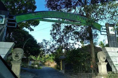 jalur menuju ke Batoer Hill Resort Resto