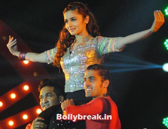 Alia Bhatt, Alia & Ileana Perform at Saifai Mahotsav 2014