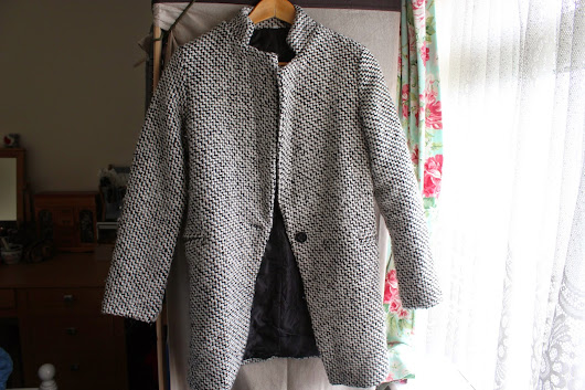 Fashion | Sheinside Houndstooth Coat Review