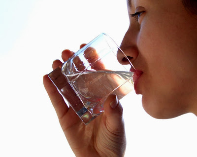 Manfaat dan Khasiat Air Putih untuk Kesehatan dan Menyembuhkan Manfaat Khasiat Air Putih untuk Kesehatan dan Menyembuhkan Penyakit