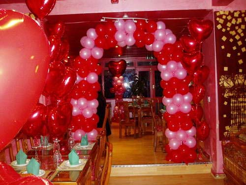 Valentine day romantic ideas to impress your partner - Valentines room decoration ideas ...