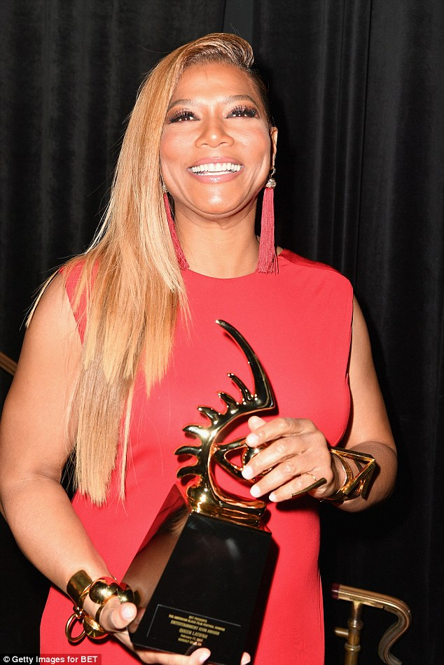 Photos Hollywood Royal, Queen Latifah Glows In Red As She -7411