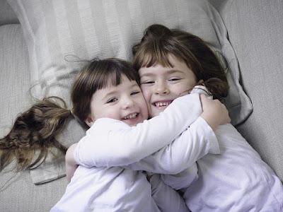 Yêu thương con trẻ theo đúng cách của cha mẹ