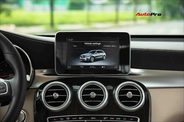 Người dùng đánh giá Mercedes GLC 200 sau khi lỡ duyên Hyundai Santa Fe Đừng ham option khi chính mình còn chưa dùng hết