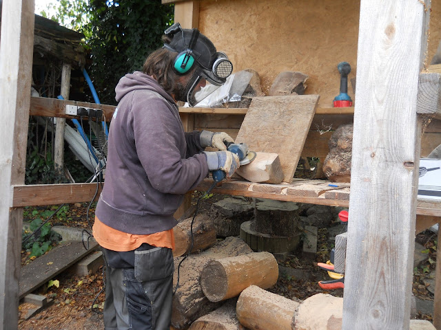 carving wood using power tools