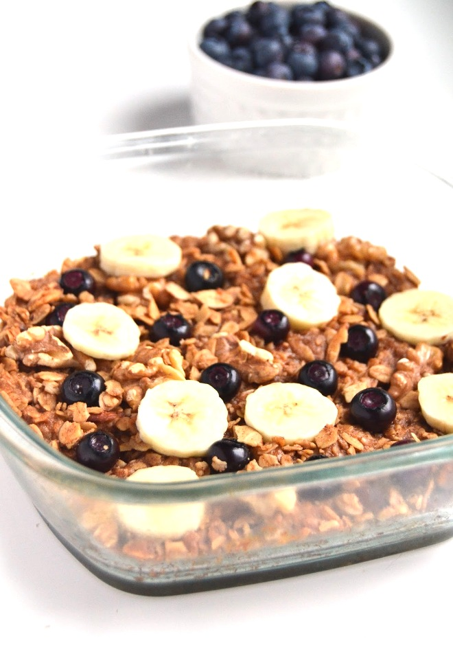 Blueberry Banana Granola Bars are loaded with fiber and protein for a healthy snack with whole-grains and walnuts! www.nutritionistreviews.com