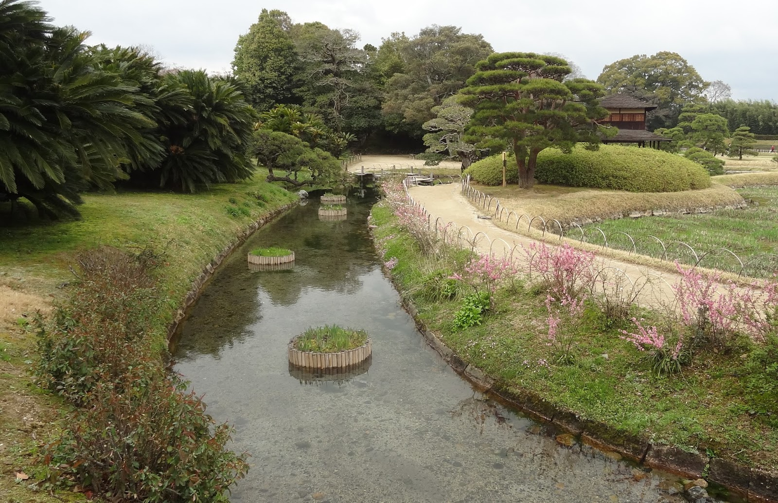 8 mois au soleil chateau et jardin okayama for Jardines okayama