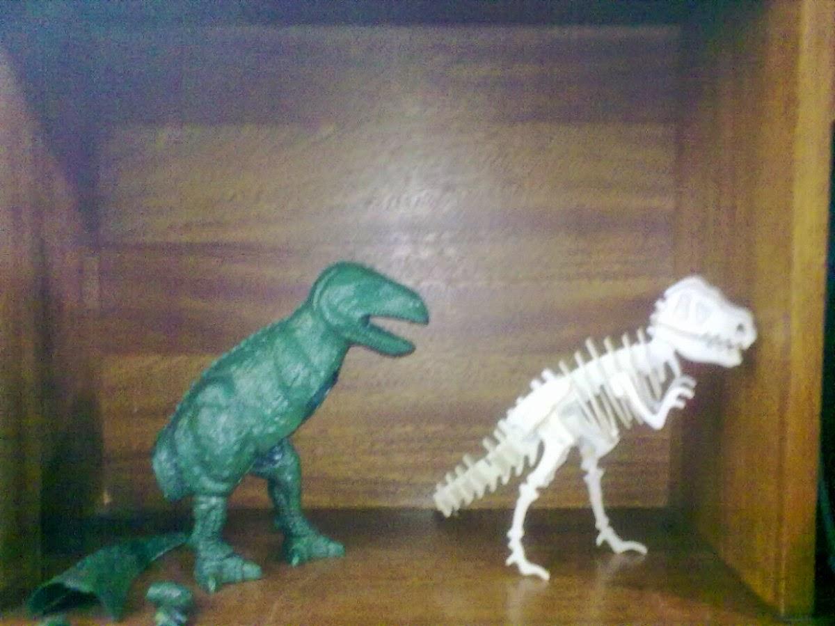 Coleção Revistas de Dinossauro Anos 90 Editora Globo Esqueleto T-Rex