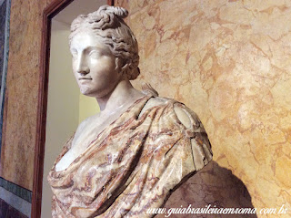 Palácio Altemps, Museu de Roma Afrodite Cnidos em marmore de carrara e alabastro florido