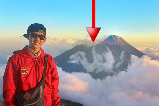 Foto Seorang Pria dengan Background Awan Mirip Lafadz 'Allah' di Puncak Merbabu Jadi Viral