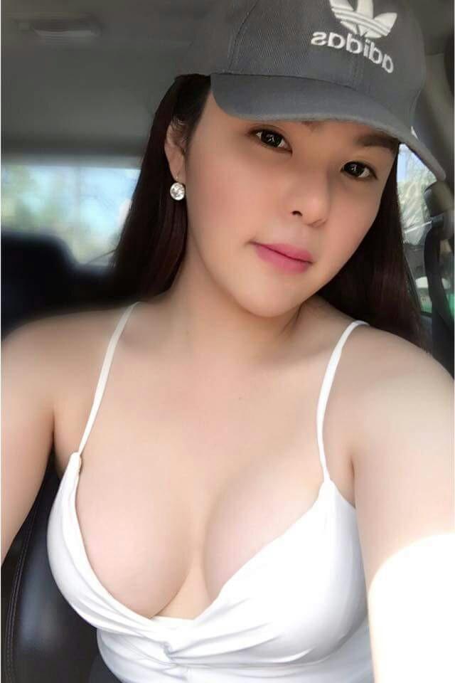 Curvy short latina big tits