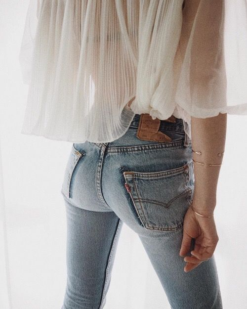 Sheer Ruffle Top/ Levis Jeans