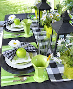 Green & Black Summer Tablescape
