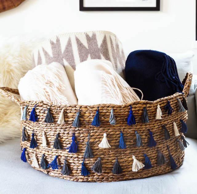 cesto decorado con borlas diy