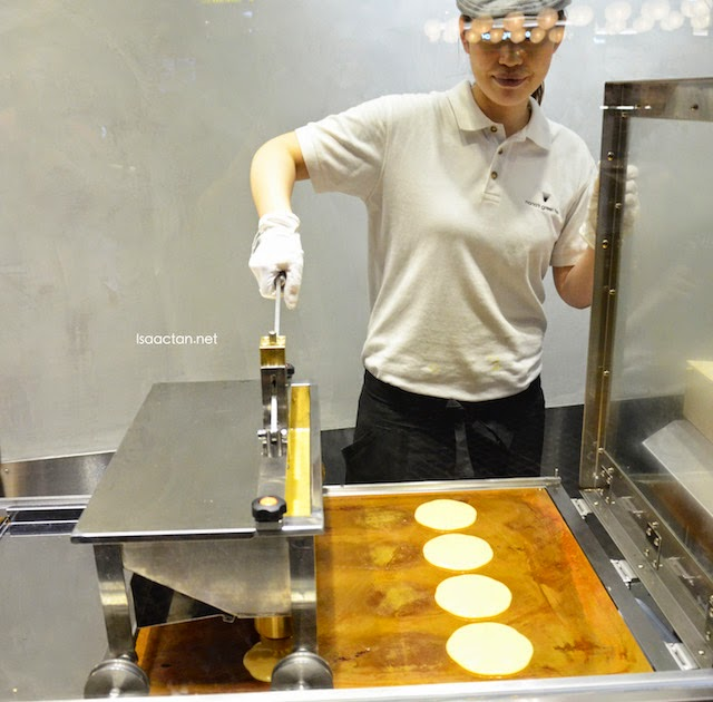 The machines used to churn out these delectable 'pancake-like' Tatedora
