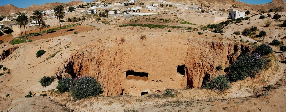 Vue panoramique d'une des nombreuses habitations souterraines.