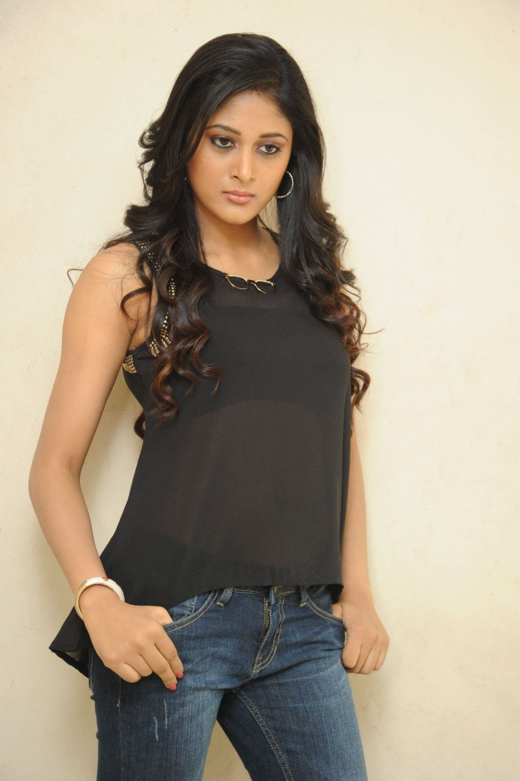 Telugu Hot Girl Sushma Raj In Black Top Blue Jeans At Movie First Look Launch