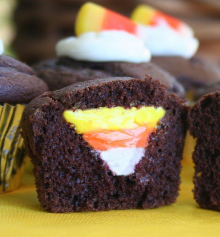 Candy Corn Cupcakes {halloween Treat Idea}