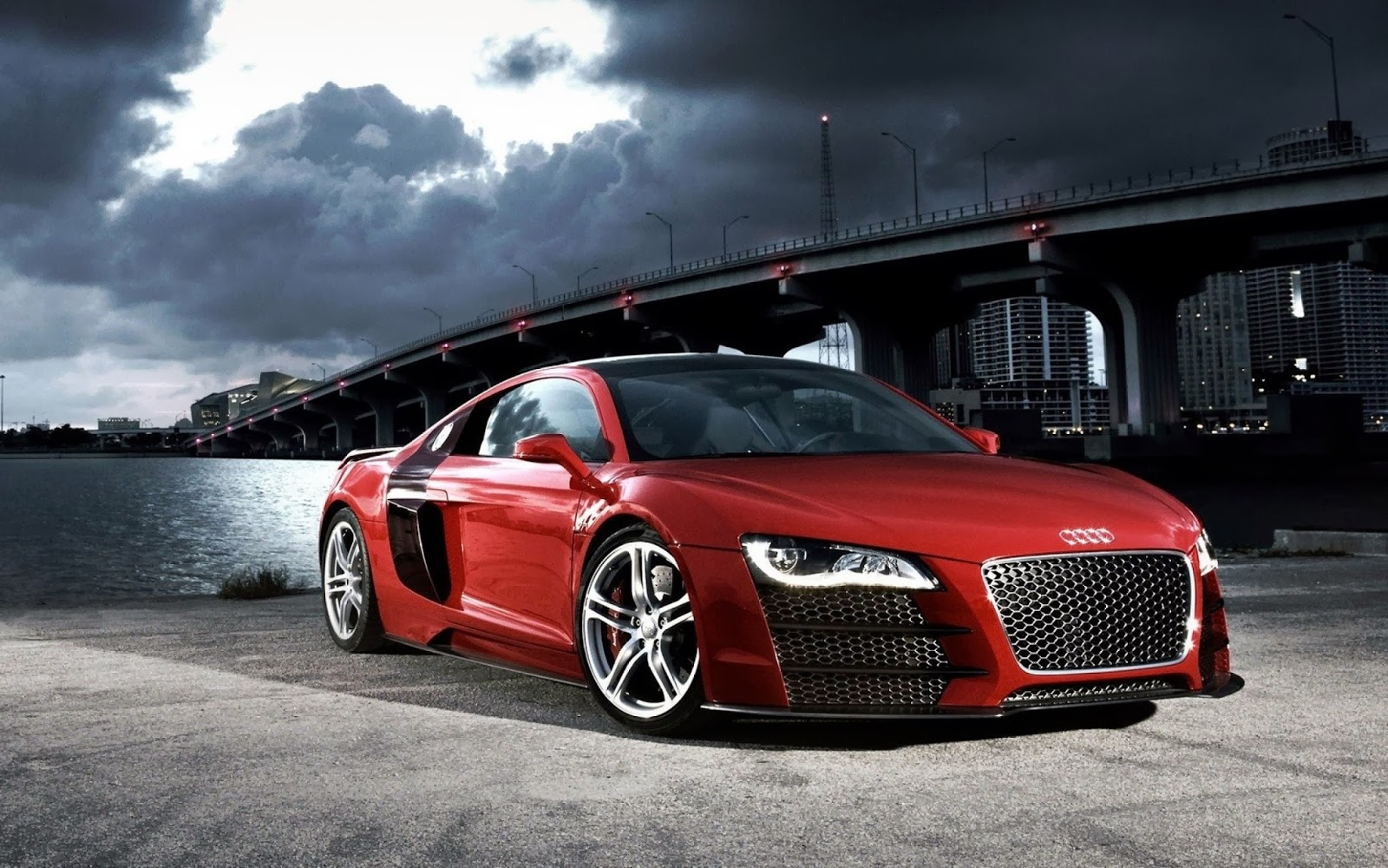 Red Audi R8 2013