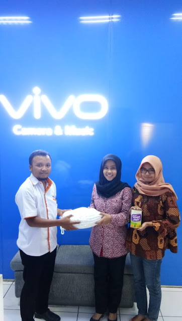 laundrymu bersama staf Distributor VIVO Center Jember