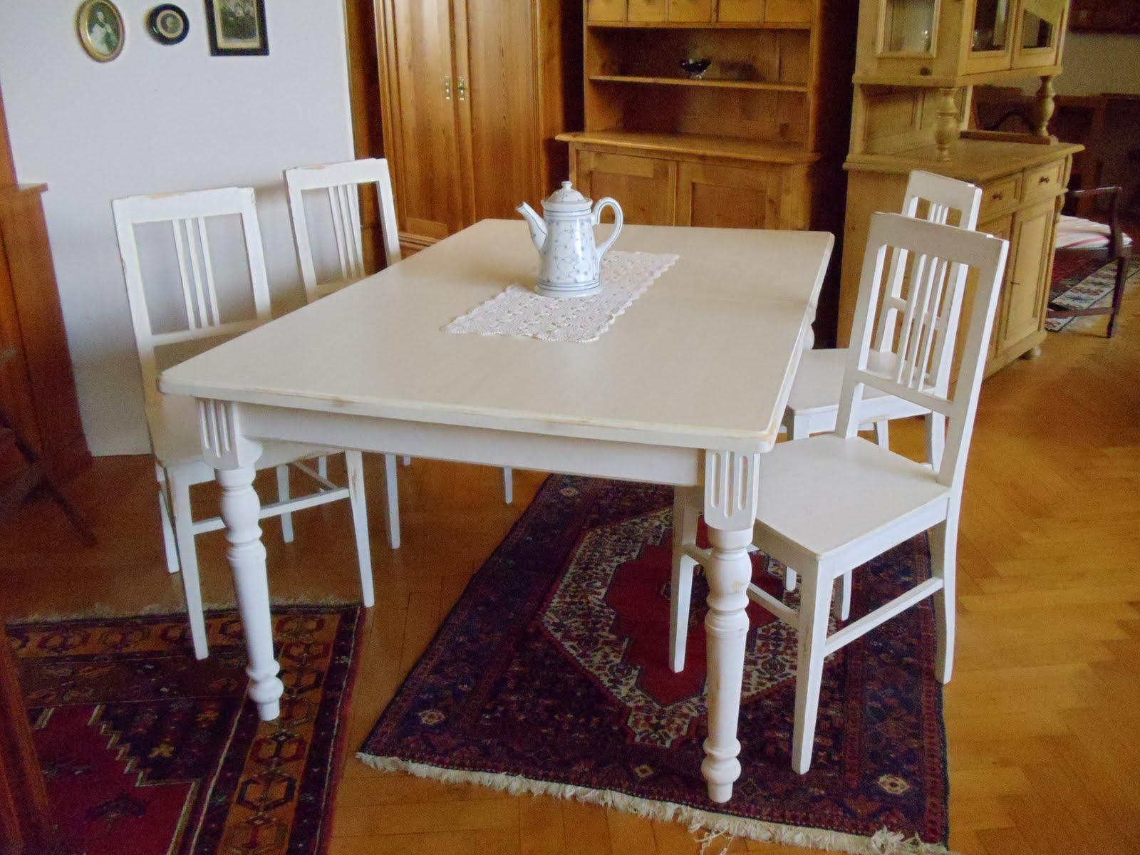 antike m bel sitzgruppe wei im landhausstil. Black Bedroom Furniture Sets. Home Design Ideas