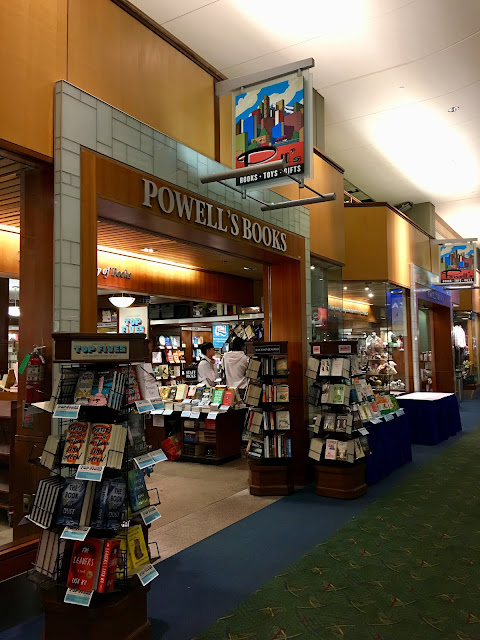 Powell's Books, Portland Airport