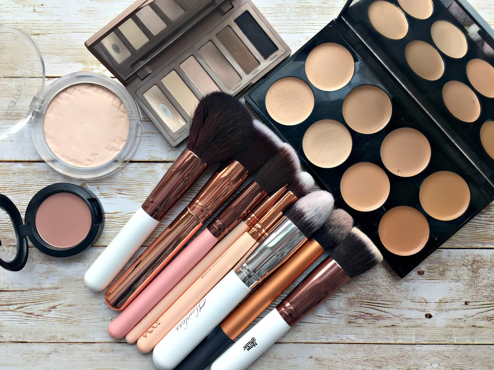 Makeup brush musthaves