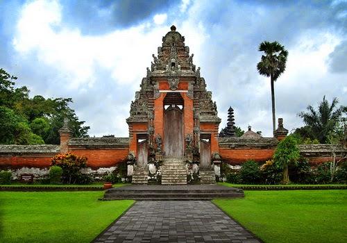 Makna Arsitektur Rumah Adat Bali