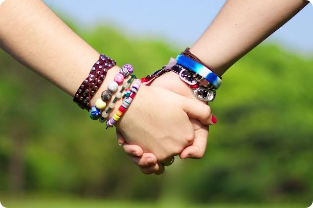 Wanita Cerdas Tidak Akan Pernah Meninggalkan Sahabatnya, Sekalipun Dia Sudah Menikah