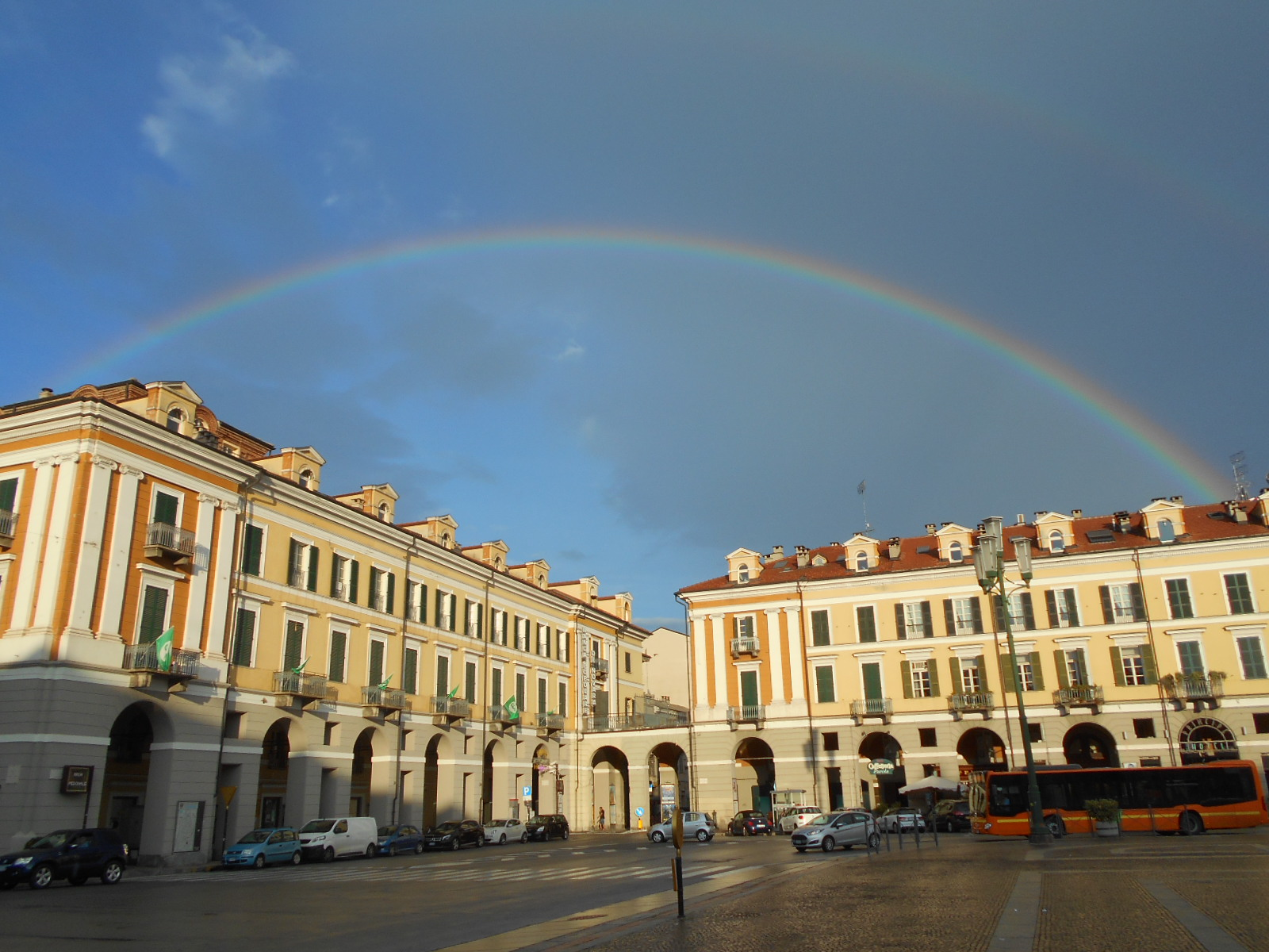 Cuneo e dintorni Piazza Galimberti